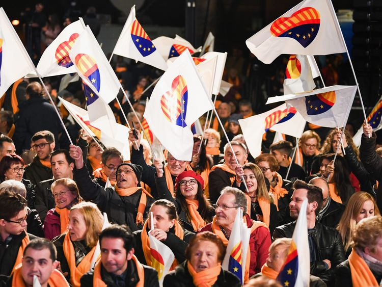 Voters Back Pro-Independence Parties In Catalonia