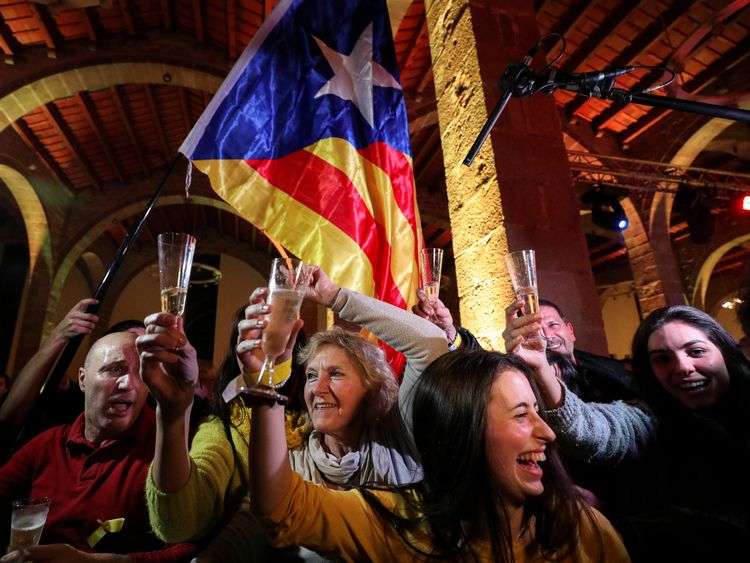 People react to results in Catalonia's regional elections at a gathering of the Catalan National Assembly (ANC) in Barcelona, Spain December 21, 2017. REUTERS/Albert Gea TPX IMAGES OF THE DAY