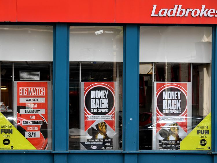 British bookmakers dismiss speculation over £2 FOBT stake limit