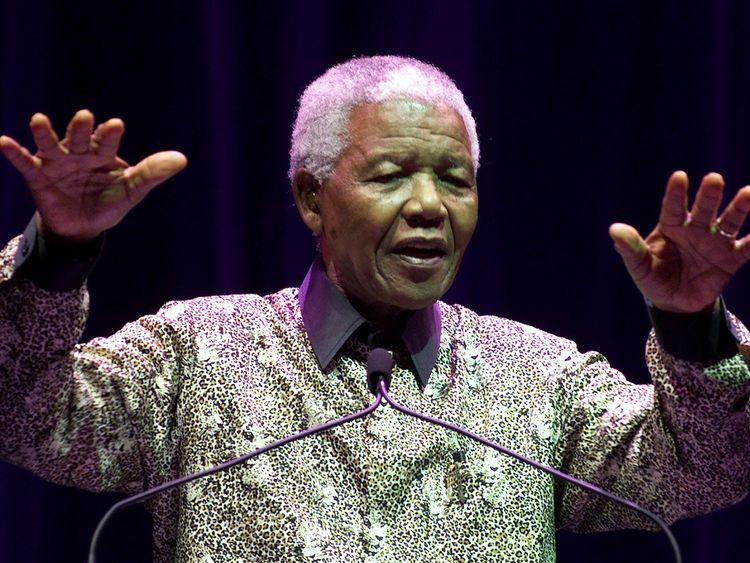 Why is S Africa at a political crossroads?
