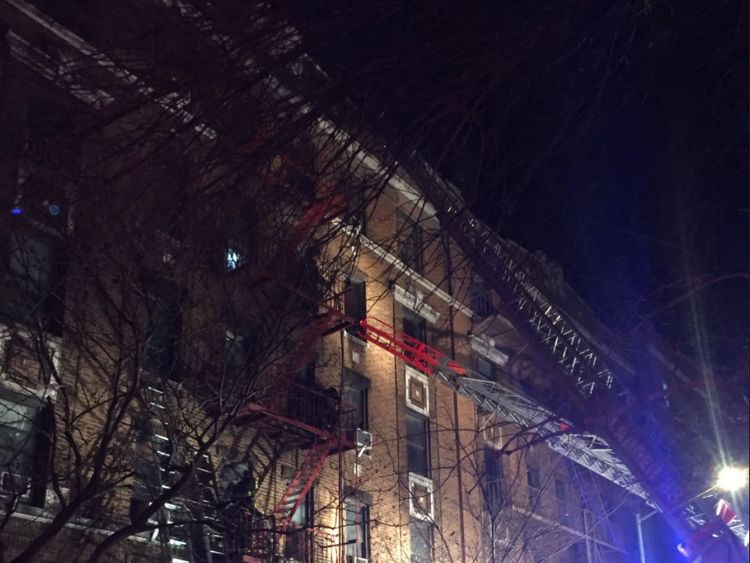 A huge fire broke out in an apartment building in the Bronx, New York. 12 people have already died so far.