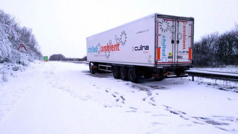 uk snow winter weather lorry stuck 3
