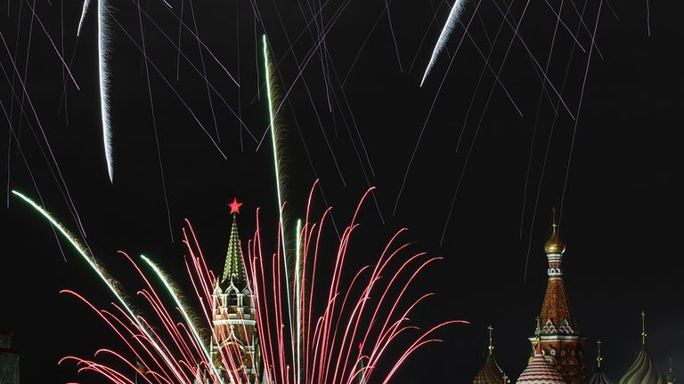 Fireworks explode over the Kremlin and St Basil Cathedral during New Year celebrations in central Moscow early on January 1, 2018. / AFP PHOTO / Kirill KUDRYAVTSEV (Photo credit should read KIRILL KUDRYAVTSEV/AFP/Getty Images)