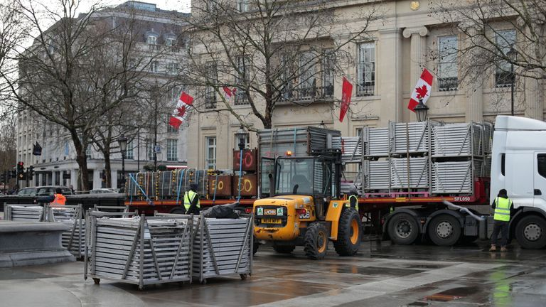 Security preparations for New Year's Eve began in London's Trafalgar Square several days ago