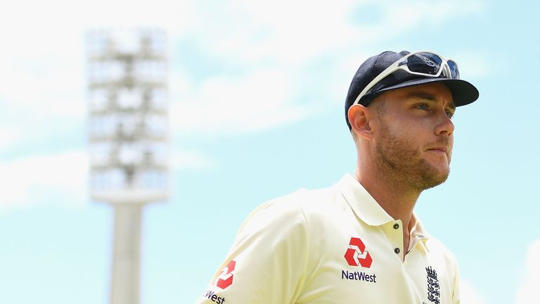 PERTH, AUSTRALIA - DECEMBER 17:  Stuart Broad of England walks off the field during day four of the Third Test match during the 2017/18 Ashes Series betwee