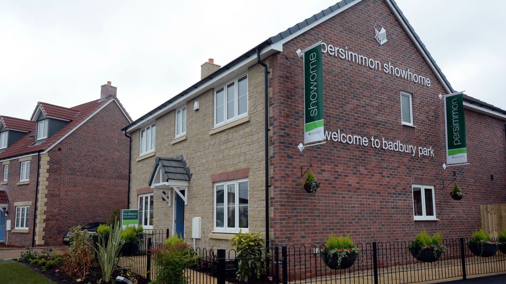 Persimmon chairman resigns after bonus controversy