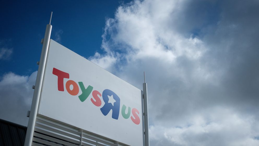 Toys R Us saved from collapse in £9.8m pensions deal