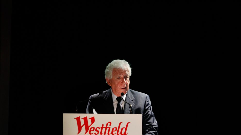 Westfield Group Chairman Frank Lowy addresses an investors briefing in central Sydney November 3, 2010.