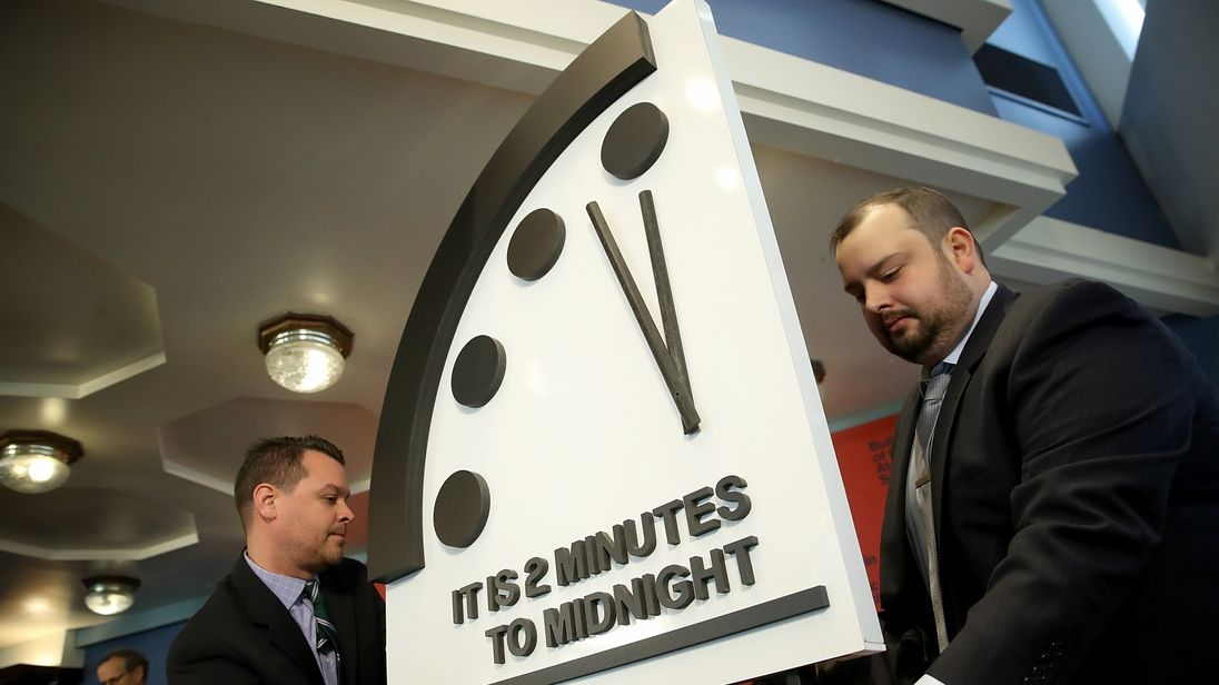 skynews-doomsday-clock-nuclear_4214579.jpg?20180125160101