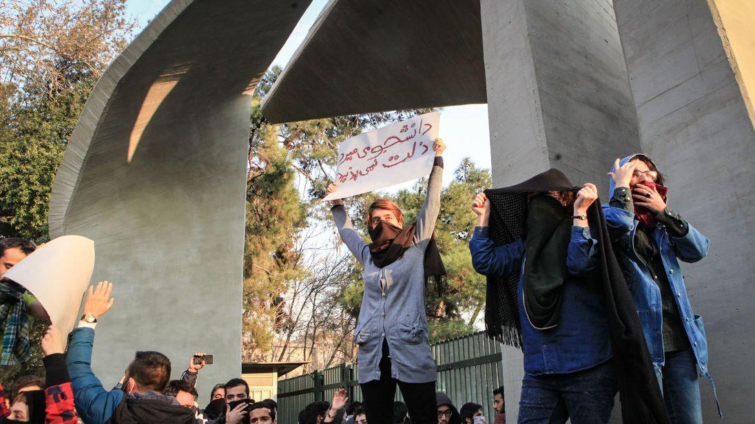 Erdogan takes Rouhani's side on Iran unrest