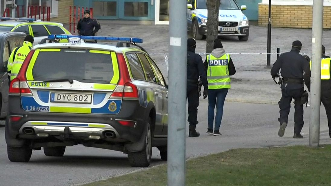 Hand grenade kills man in Stockholm suburb