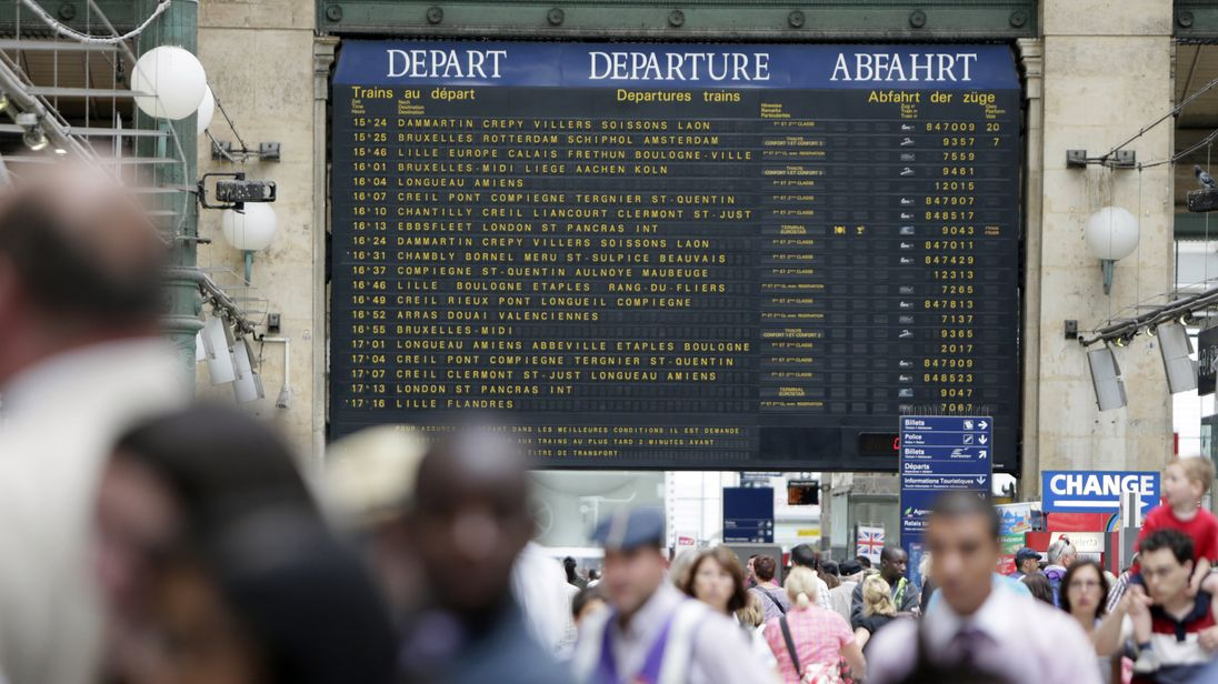 The departure board at Gare Du Nord