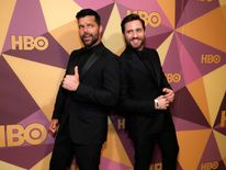 Ricky Martin (L) and Edgar Ramirez