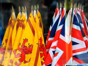 The Lion Rampant and the Union flag - but which is flown when?