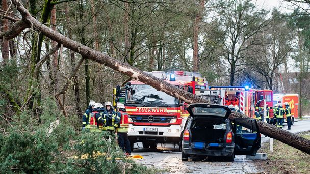 Eight killed in Germany by storm that swept UK