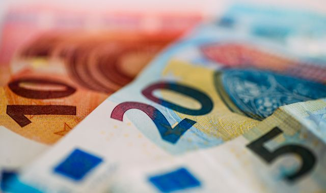 Eurozone GDP Logs Strong Growth In Q4