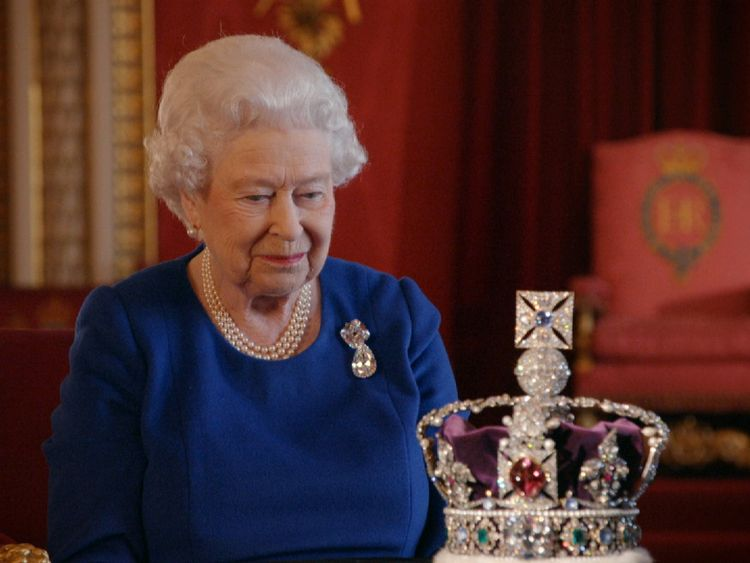 The Queen and her imperial state crown
