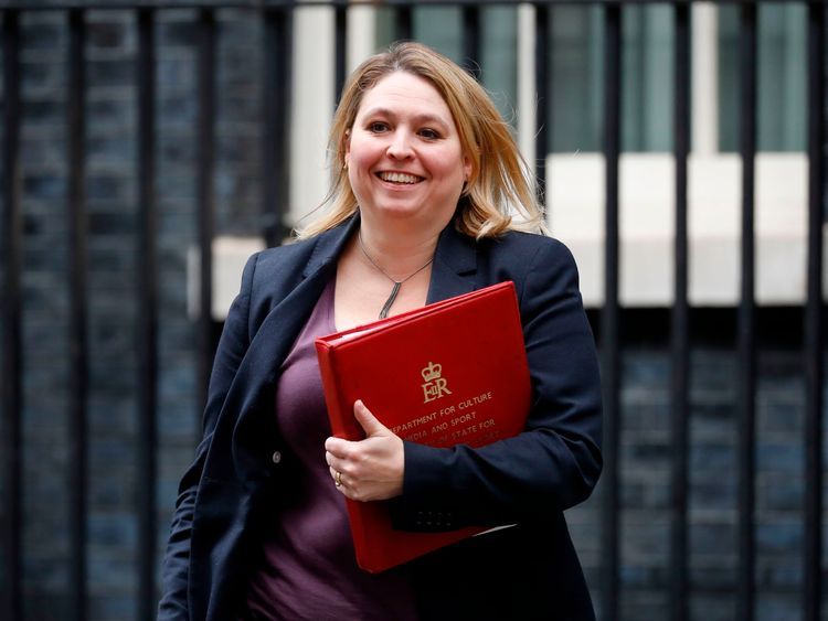 Britain's Culture, Media and Sport Secretary Karen Bradley leaves 10 Downing Street after the weekly meeting of the cabinet in central London on October 31, 2017. / AFP PHOTO / Tolga AKMEN (Photo credit should read TOLGA AKMEN/AFP/Getty Images)