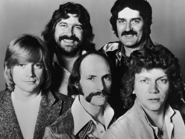Moody Blues star Ray Thomas dies aged 76
