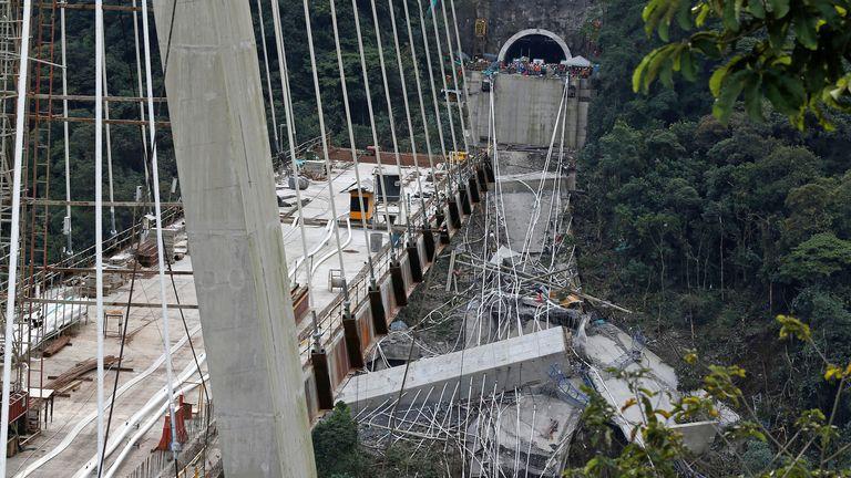 Colombia bridge collapse 6