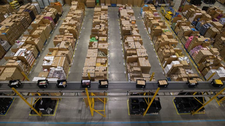 Amazon to create 400 jobs at new UK fulfilment centre