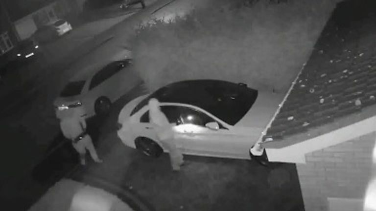 Criminals steal a car without even using the keys