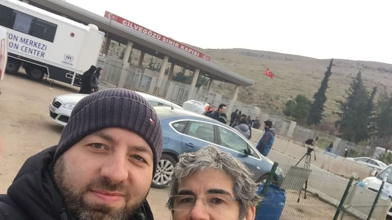 Dr David Nott and Dr Mounir Hakimi both of UOSSM at the Syrian border with Turkey
