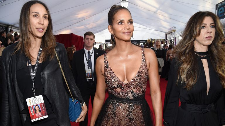 LOS ANGELES, CA - JANUARY 21: Actor Halle Berry attends the 24th Annual Screen Actors Guild Awards at The Shrine Auditorium on January 21, 2018 in Los Angeles, California. (Photo by Kevork Djansezian/Getty Images)