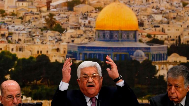 Palestinian president Mahmud Abbas (C) speaks during a meeting in the West Bank city of Ramallah on January 14, 2018. Abbas said that Israel has 'ended' the landmark Oslo peace accords of the 1990s with its actions. / AFP PHOTO / ABBAS MOMANI (Photo credit should read ABBAS MOMANI/AFP/Getty Images)