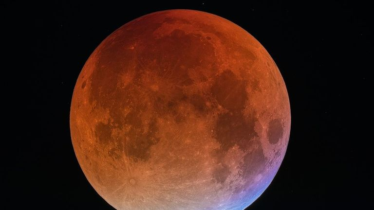 A blue blood moon captured last September. Pic. NASA / Dominique Dierick