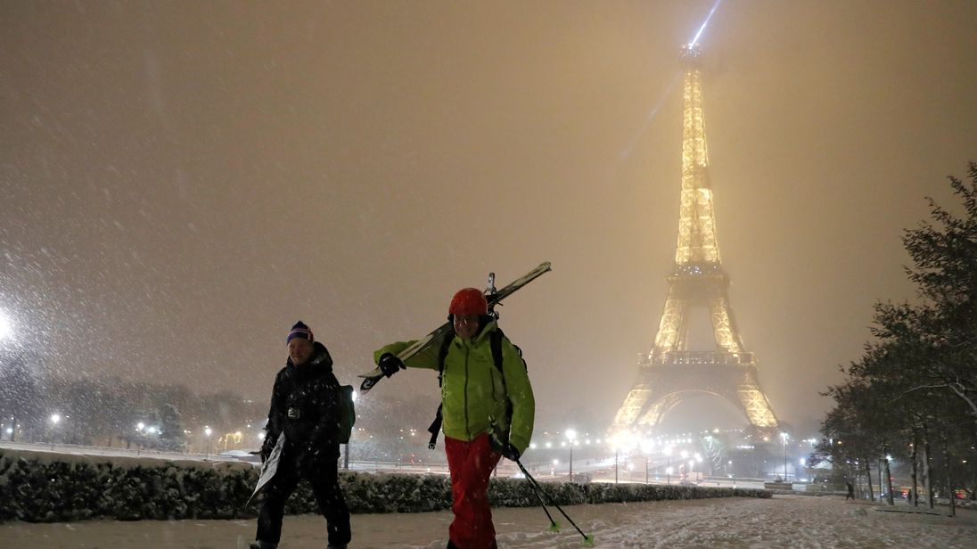 paris snow 4