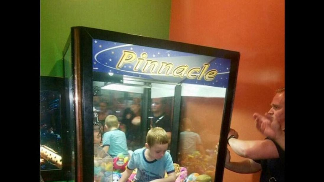 U.S. boy trapped in Florida stuffed toy arcade machine