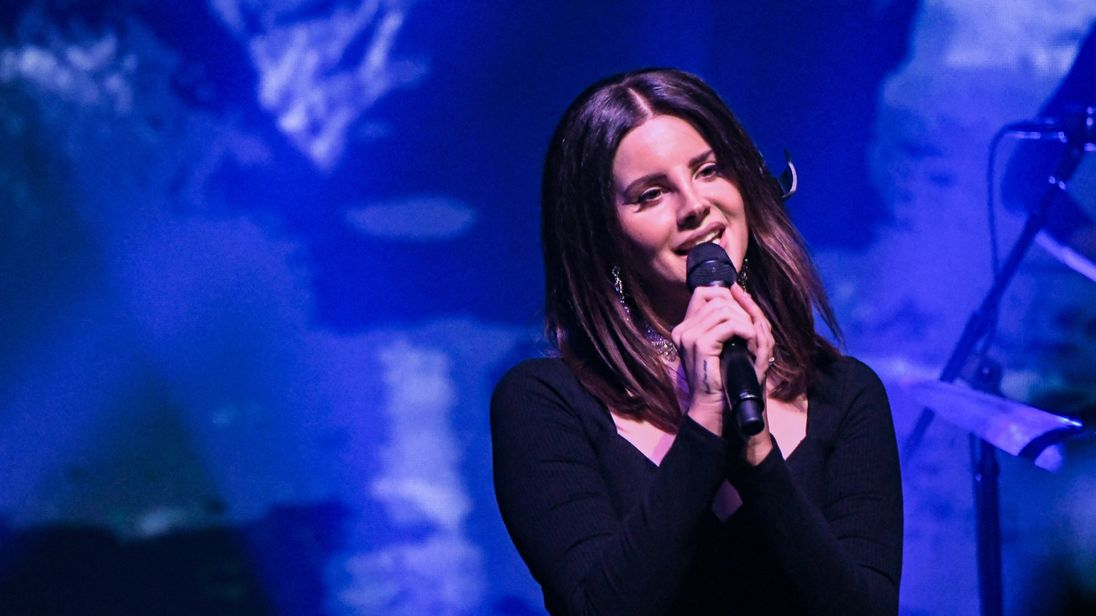 Singer Lana Del Rey performs at Terminal 5 on October 23, 2017 in New York City. (Photo by Mike Coppola/Getty Images)