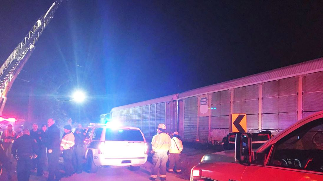 2 killed, 116 hurt when Amtrak train crashes into freight train