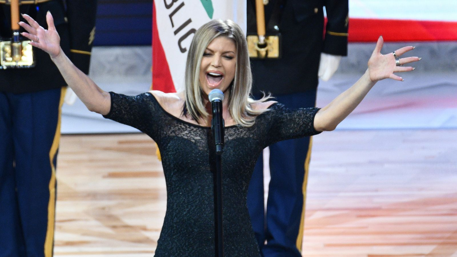 Star Mangled Banner: Fergie apologises for anthem
