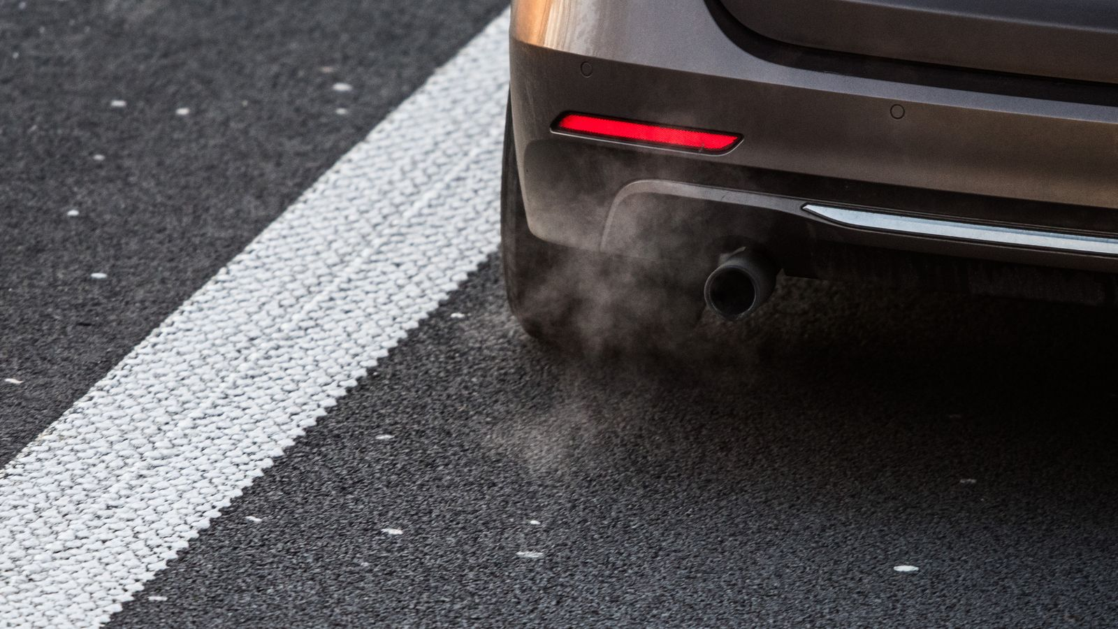 BMW, Daimler and VW investigated over emissions collusion