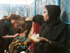 Ashley Judd with Rohingya refugees