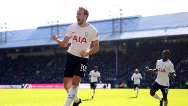 Martinez hails incredible Kane