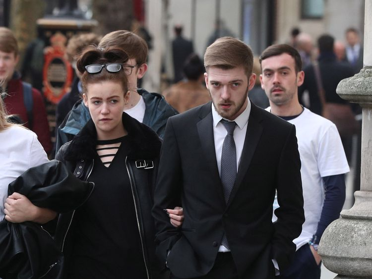 Tom Evans and Kate James, the parents of 21-month-old Alfie Evans, arrive at the High Court in London to see whether they have won a treatment fight with doctors.  PRESS ASSOCIATION Photo. Picture date: Tuesday February 20, 2018. Specialists at Alder Hey Children's Hospital in Liverpool want a judge to give them permission to stop providing life-support treatment to Alfie. See PA story COURTS Alfie. Photo credit should read: Jonathan Brady/PA Wire