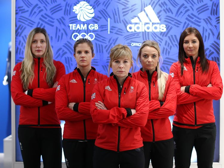 Lauren Gray, Vicki Adams, Kelly Schafer, Anna Sloan and Eve Muirhead of the women's curling team