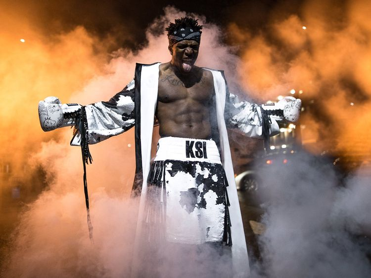 KSI posted a celebratory picture on Twitter. Pic: @KSIOlajidebt