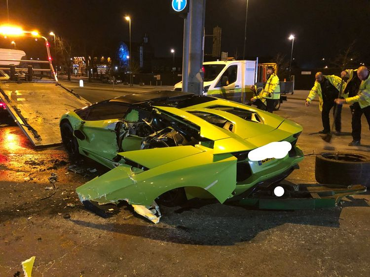 The Lambourghini's left side was completely smashed in. Pic: BTPNotts