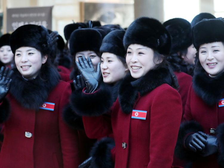 Members of North Korean cheering squad arrive in South Korea