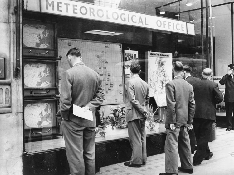 28 August 1959: The Met Office in London