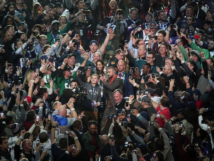 Boy takes selfie with Justin Timberlake at Super Bowl LII