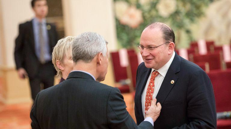 New HSBC chairman Tucker embarks on boardroom cull | Business News