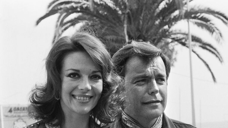 US actress Natalie Wood and her husband US actor Robert Wagner pose during the 29th Cannes Film Festival in Cannes, on May 18, 1976. / AFP / - (Photo credit should read -/AFP/Getty Images)