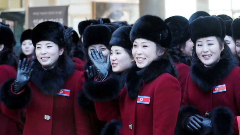 Members of North Korean cheering squad arrive in South Korea