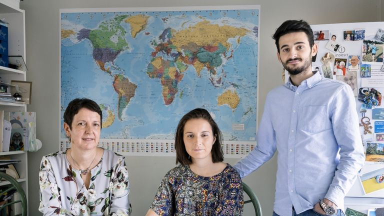 Judith and Connie share their home with Shannon from Aleppo. Pic. UNHCR/Aubrey Wade