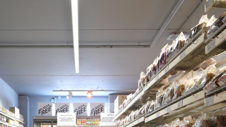 The world's first plastic-free supermarket aisle in Amsterdam. Pic:  Ewout Huibers